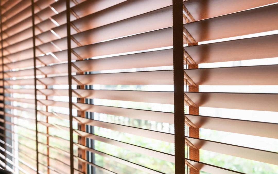 How to choose right wood blinds